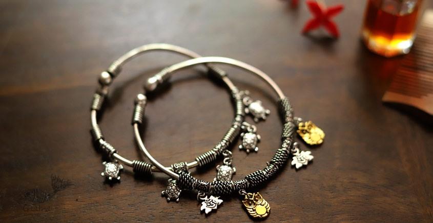 इशाना ✽ White Metal ✽ Bracelet ( Single Piece ) 27