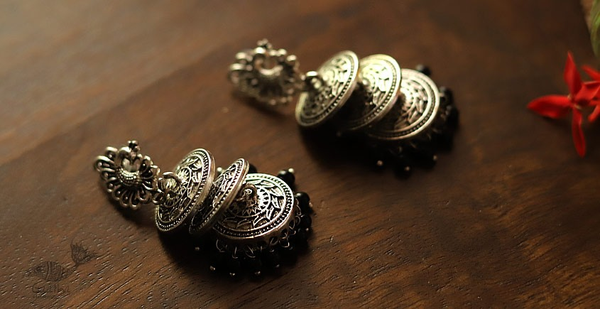 इशाना ✽ White Metal ✽ Earring 15