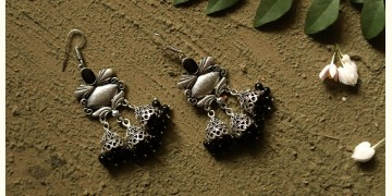 धरा ✽ Antique Finish White Metal ✽ Earring { 4 }