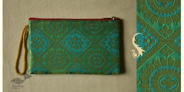 Bolsa ~ Brocade purses & Clutches { 11 }