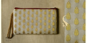 Bolsa ~ Brocade purses & Clutches { 15 }