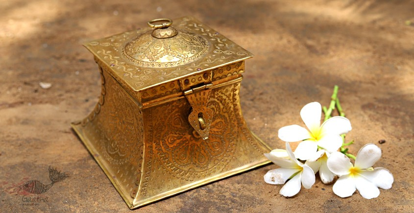 Ahar ✽ Brass ~ Square Dabro ( 6.5 x 6.5 x 5.5 Storage Box ) -  4