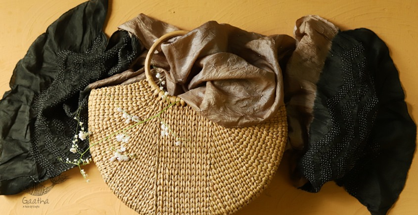 Twinkle drops ~ Silk Bandhani Masterpiece Dupatta ~ M