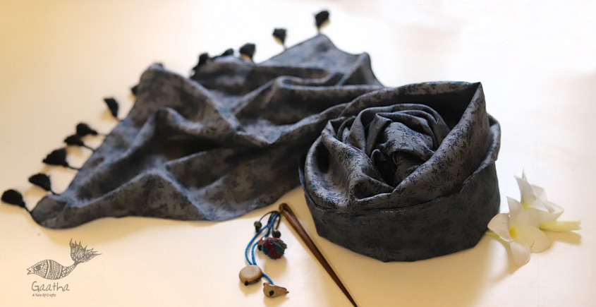 Soie ✻ Silk Stole With Wooden Hair Pin ✻ L