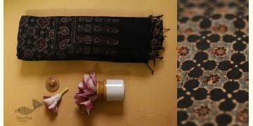 फ़लक ✽ Ajrakh Linen Saree ~ 19