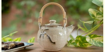 Nakshikathaa ✠ Teapot with Cane Handle (Off White/Brown)
