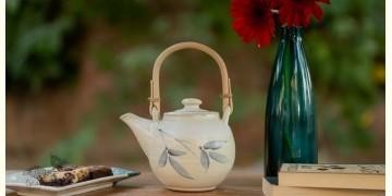 Nakshikathaa ✠ Teapot with Cane Handle (White/Blue)