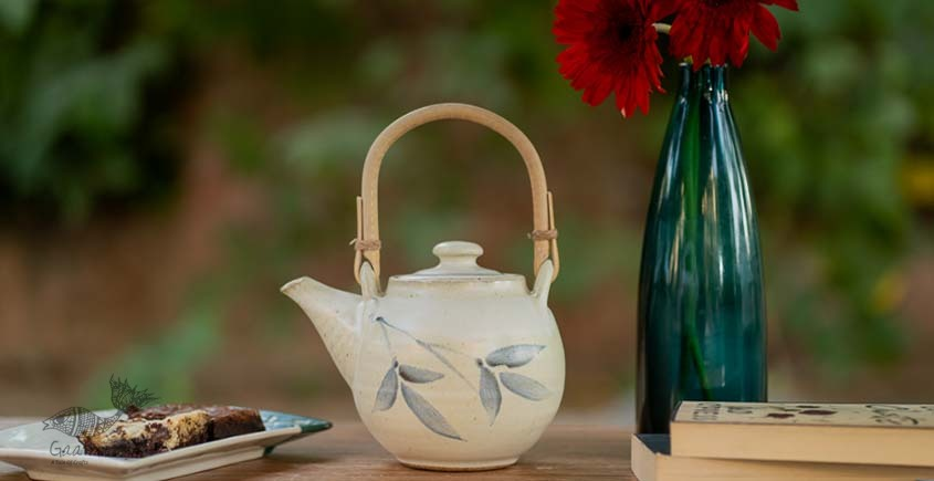 Teapot with Cane Handle (White/Blue)