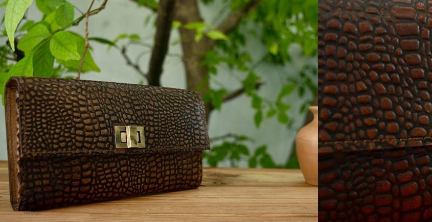 Buy online Leather Purse - Nala- Clutch Wallet