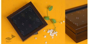 "Joyance ⚙ Tangaliya Wooden Box ~ F { 5.5"" X 5.5"" }"