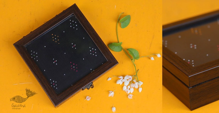 Joyance ⚙ Tangaliya Wooden Box ~ F { 5.5 X 5.5 }