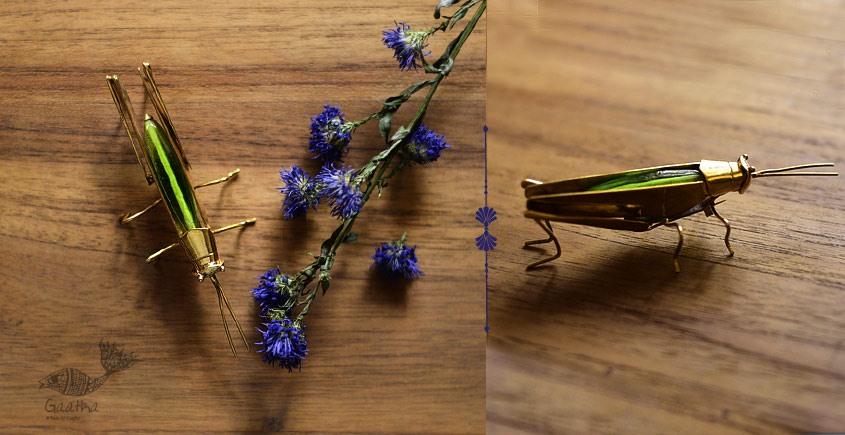 Handcrafted Glass Hopper brooch design