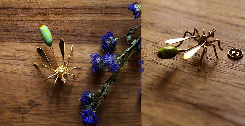 Hover ✶ Brooch Pin ✶ A Wasp Pin