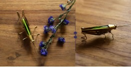 Hover ✶ Brooch Pin ✶ Glass Hopper