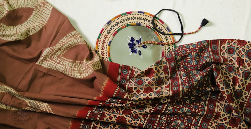 Shop beautiful leaf design Ajrakh bandhani Cotton Sarees