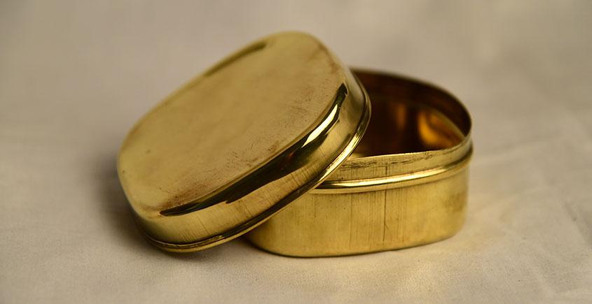 मनोहार ✥ Brass . All purpose brass Dibbi square ✥ 12