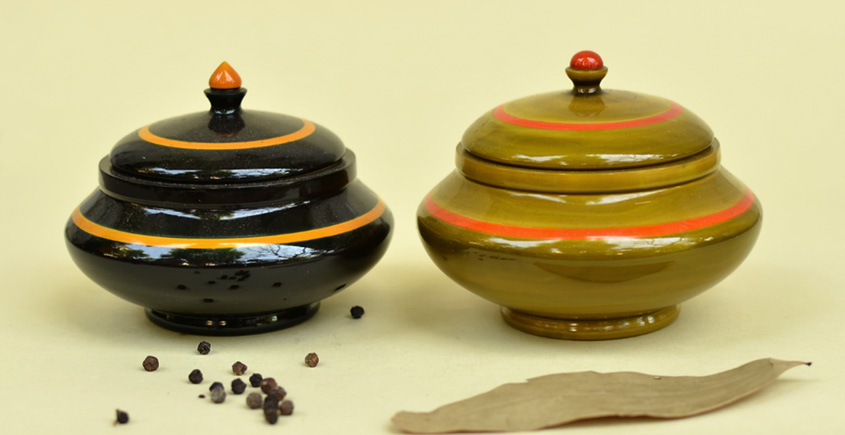 Etikoppaka ☙ Traditional Box-Small ☙ 12 { set of two }