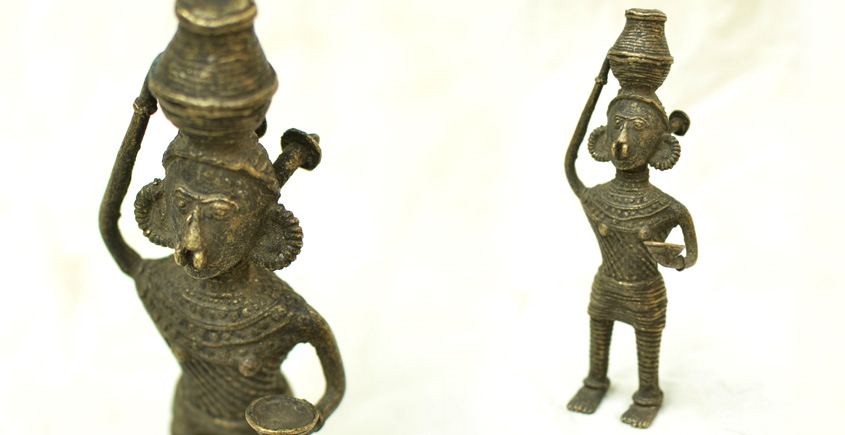 Dhokra Art | Tribal women with earthen pot