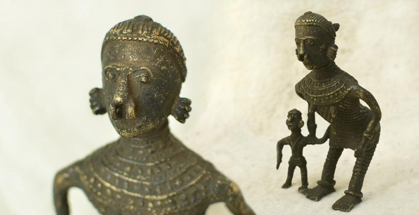 Brass handmade odisha Dhokra piece | mother and kid
