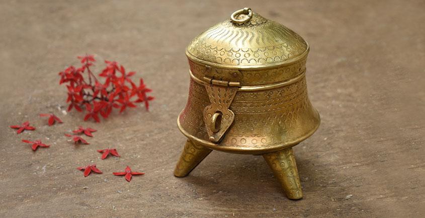 Ahar ✽ Brass ~ Paan Daan { 5 x 5 x 6 Small }