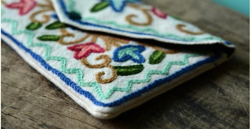 Aari-work Kashmir ~ Hand clutches (Sea-blue zig zag)