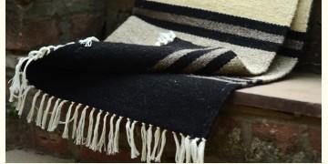 Woolen rugs ~ Lanes of winter (3'X3')