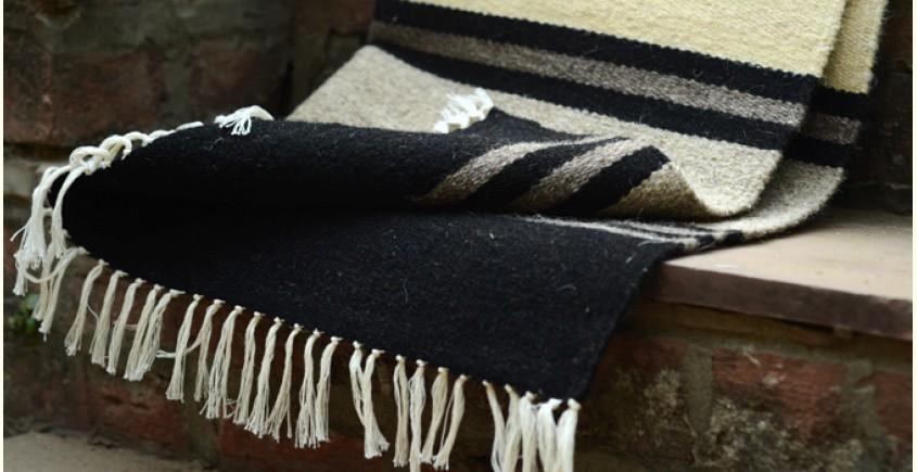 Woolen rugs ~ Lanes of winter (3X3)