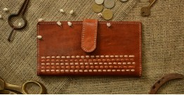 Itsy-bitsy! ❖ Kutchi Leather Purse { 1 }