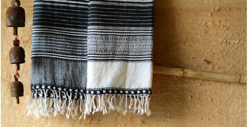Elegance from the grasslands IV ~ handwoven woolen stole
