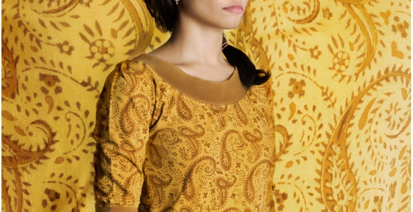 Brown paisley on mystic yellow ~ Gaamthi tshirt