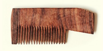 Wooden comb ~ Easy grip