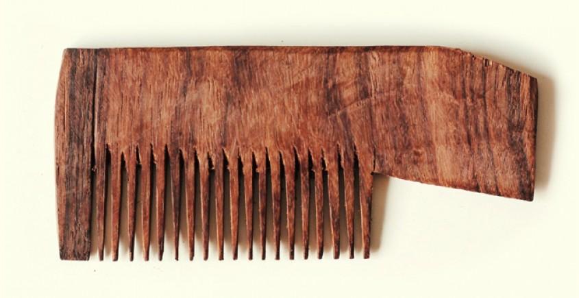 Wooden comb ~ Easy grip