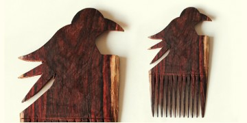 Wooden comb ~ Parrot
