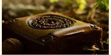 Vyuh chokor ~ Walnut wood box