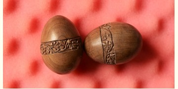 Walnut wood carving: Easter eggs~1