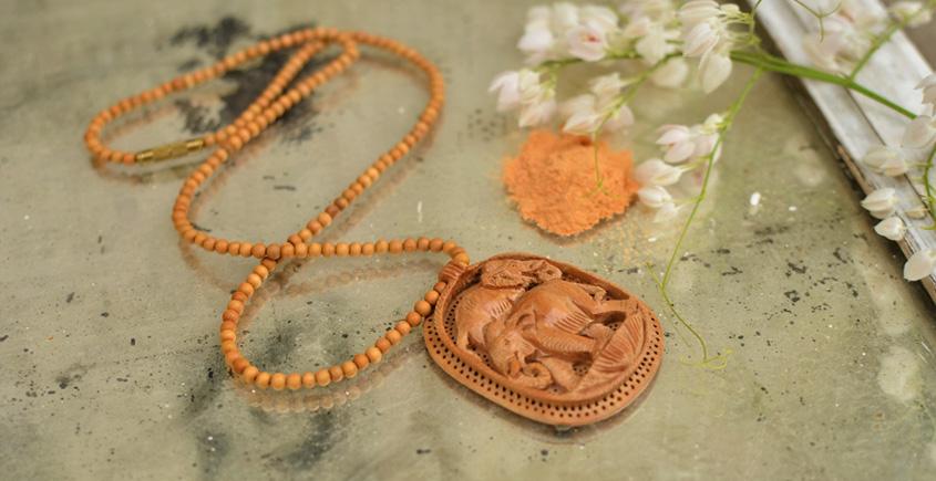 Kadam ♣ Wooden Neckpieces { f }