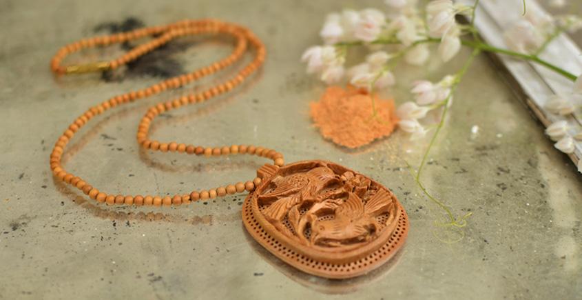 Kadam ♣ Wooden Neckpieces { h }