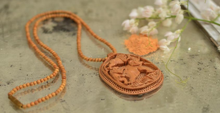 Kadam ♣ Wooden Neckpieces { n }