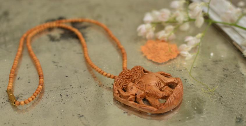 Kadam ♣ Wooden Neckpieces { p }