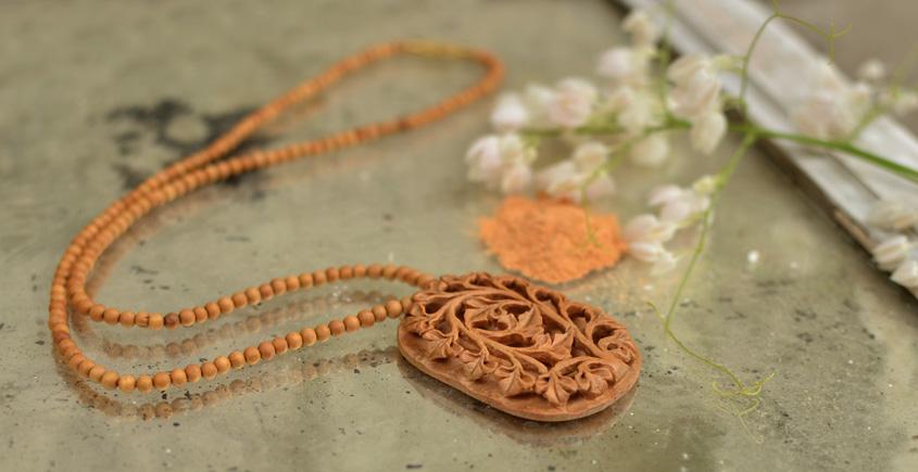 Kadam ♣ Wooden Neckpieces { t }