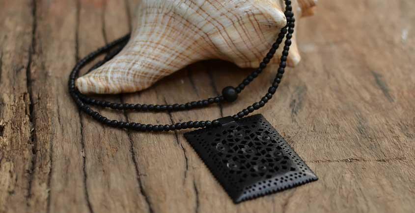 Kadam ☙ Wooden Neckpieces ☙ E