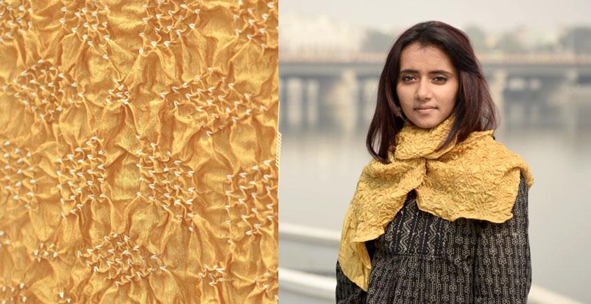 Ela ☘ Naturally Dyed . Bandhani Silk Stole ☘ 2