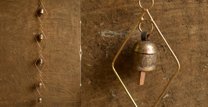 Jingles & Carrolls ~ Kutch metal bell { 11 }