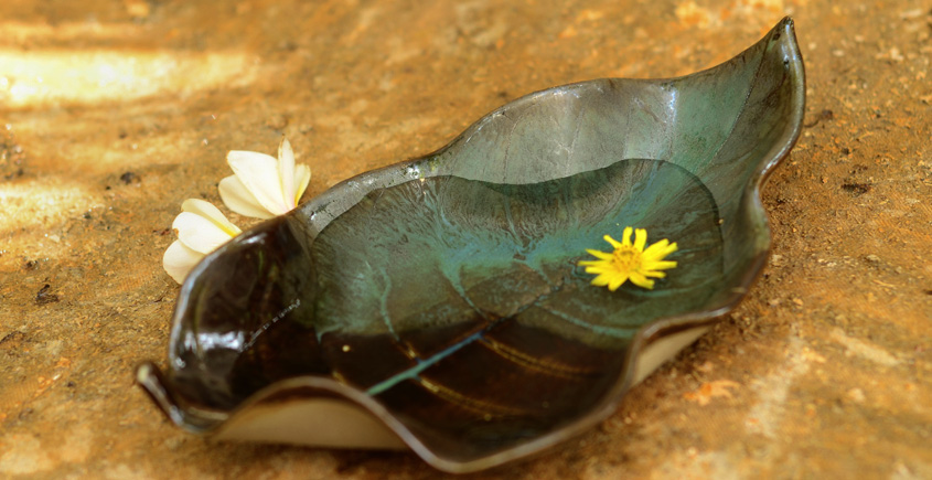 Cinnamon Green ~ Leaf Plate { 1 }