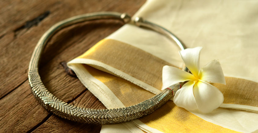 Kanupriya ~ White metal jewelry ( Hasli)
