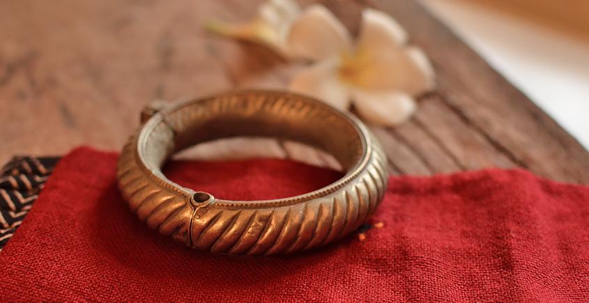 Kanupriya ~ White Metal Vintage Jewelry { 16 }