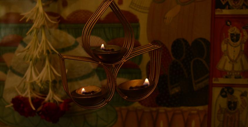 Courtyard ⚛ Vrindavan Gold Hanging Tea Light Holder ⚛ 54