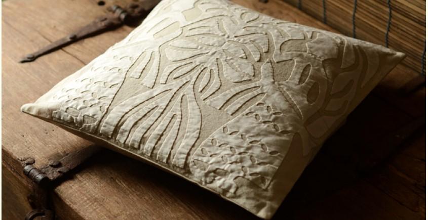 Applique cushion ~ 1