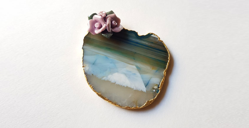 Gilded Pebbles ✶ Flower Coaster { 35 } { Single piece }