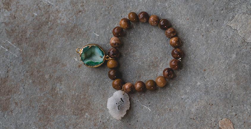 Gilded Pebbles ✶ Stone Jewelry ✶ Stones Charm Bracelet { 34 }